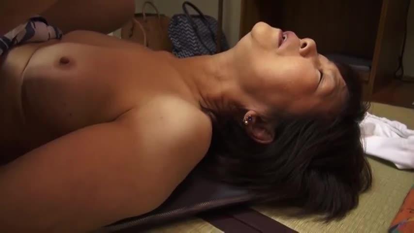【個人撮影】ロリ系彼女とバスルームでイチャイチャエロい事